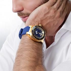 أدي كاي – ساعة ذهبية مع قرص داخلي أزرق وحزام مطاطي أزرق